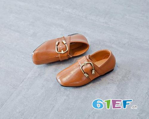 甜美潮流单鞋 是你家宝贝最爱的款式哦
