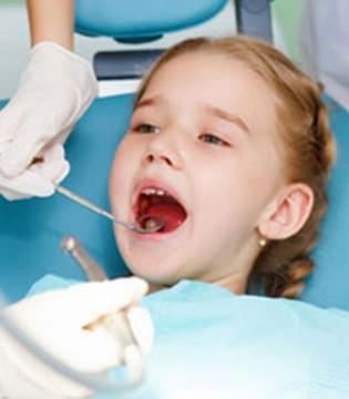 小宝宝口腔溃疡是怎么回事 这些预防措施要做好