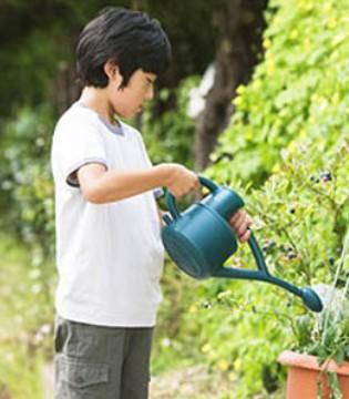 孩子没爱心父母可能要背锅 如何培养有爱心的孩子