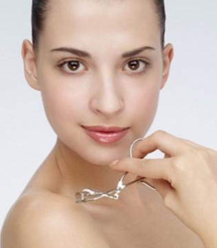 油性皮肤容易出油怎么办 油性皮肤日常如何护理