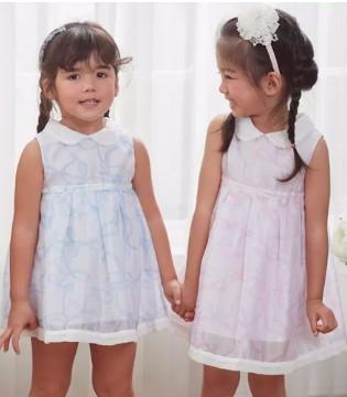公主出游季 安妮公主童装让妮如夏日清风般迷人