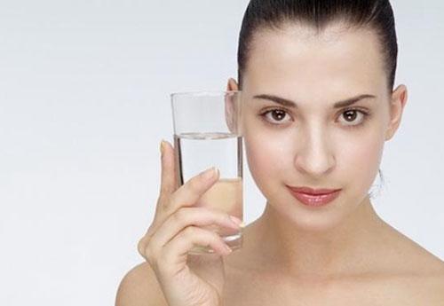 多喝水可以排毒吗 排毒吃什么比较好