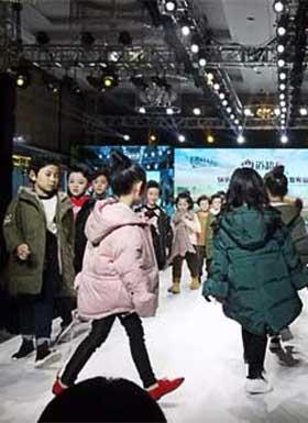 《弯道超车》快乐丘比2018秋冬新品发布会圆满成功!