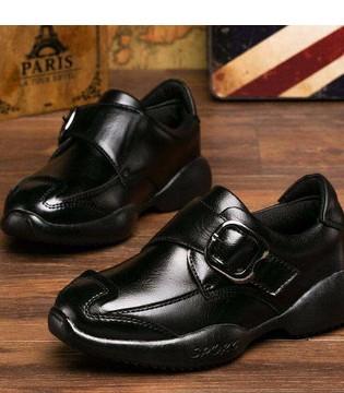 妈妈们要注意 购买儿童皮鞋时 要区别优、劣皮革