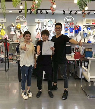 恭喜李姐加入彩色笔大家庭 祝新店开业财源滚滚