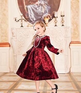 """与卡莎梦露共赴""""华丽宫廷派对""""之旅 开启时尚新活力"""