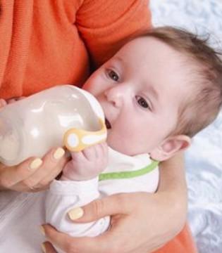 科普 婴儿奶粉喂养的正确步骤及喂养量
