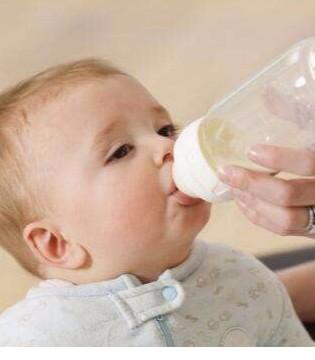 宝宝不吃奶粉原因知多少 宝宝不吃奶粉怎么办