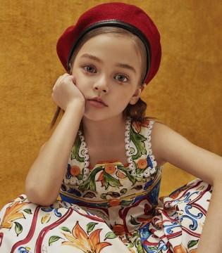 俄罗斯小超模Anna Pavaga登《YO!LITTLE》创刊号封面