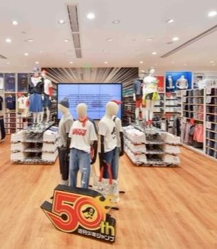 直击优衣库JUMP和漫威UT售卖现场 4天连开16店还不敷