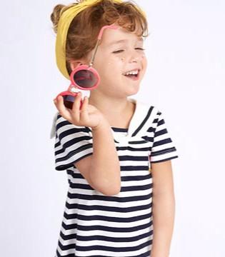 的纯童装 给孩子编织绚丽多彩舒适的童年