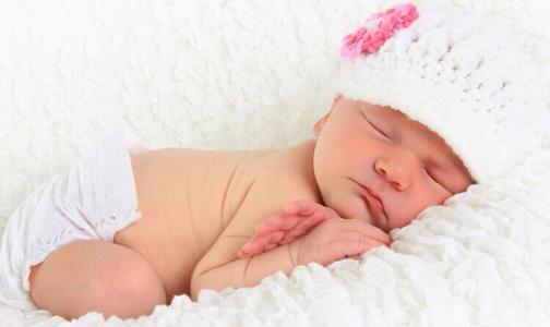 宝宝为什么喜欢趴着睡 必知宝宝趴着睡注意事项