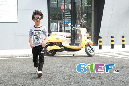色彩比款式更重要 童品壹仓龙8国际娱乐官网搭配技巧!