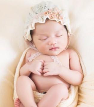 重生儿黄疸存在危害 怙恃们要怎样给宝宝去黄?