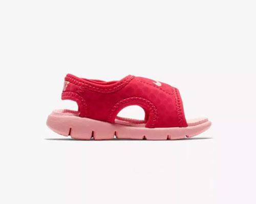低温来袭 Nike凉鞋助力宝物清新出行