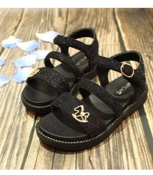 宝贝传奇告诉你 童鞋有哪些分类及风格