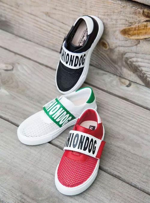 时尚狗狗童鞋带你看看这些ins小童星换季怎么穿