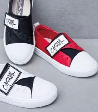 时髦狗狗童鞋带你看看这些ins幼童星换季怎样穿