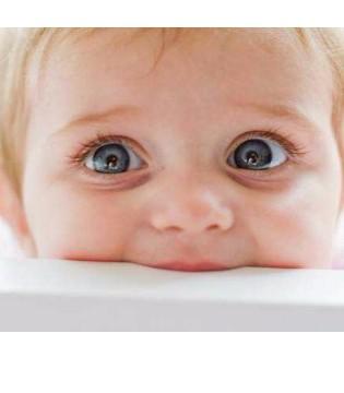 宝宝视力发育若不重视 未来再后悔就来不及了