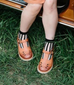 恭喜儿童潮鞋品牌ALA-COFLY入驻品牌童装网啦!