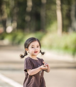安米莉儿童碎花小裙 六一就给孩子这样穿!
