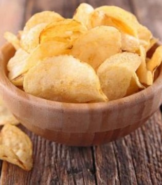 月经期间可以吃薯片吗 这些食物要少吃