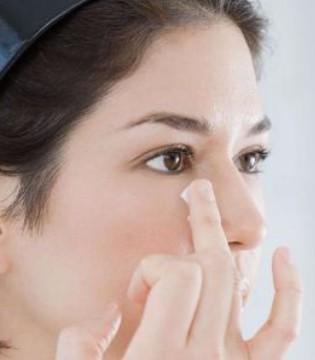 女人怎么调理黑眼圈 可以试试这么做