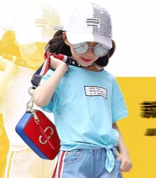"""小象Q比6.1儿童节 在衣服上加点小心机 才不""""闷"""""""
