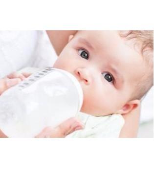 宝宝喂养量是多少 奶粉喂养宝宝每天喝多少水