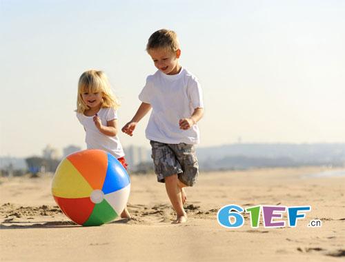 放纵孩子 只会伤害孩子  孩子几种行为 一定要制止