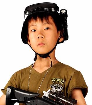 水弹枪受孩子们追捧 却威力很大会伤人
