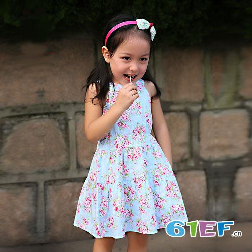 dishion的纯 女童碎花连衣裙如何搭配比较好看?