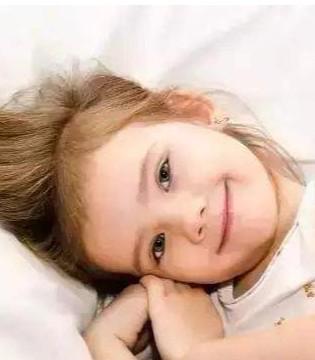 睡前多让孩子撒娇有利健康吗 应该怎样做