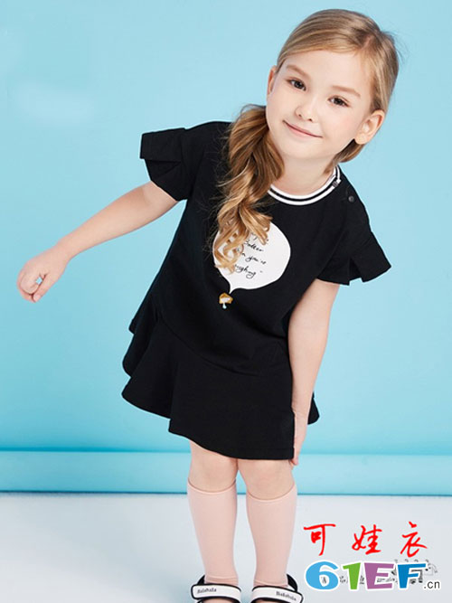 可娃衣:淘宝热卖儿童T恤童装品牌!