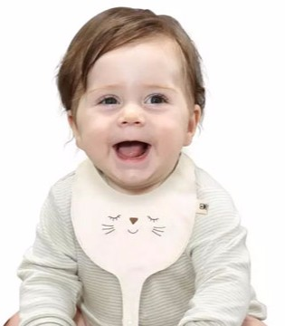 家中宝宝用手抓饭吃 家长们该不该制止?