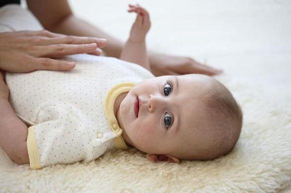 宝宝便秘可以吃苹果吗? 宝宝便秘适合吃什么水果?