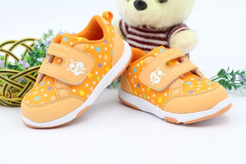 童鞋多高最合适  宝宝购买鞋有哪些注意事项