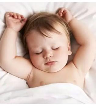 孩子按时睡觉会使大脑发育更好 不同年龄段的孩子应该几点睡觉