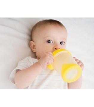 如何帮助宝宝戒掉夜奶 一个小妙招就搞定