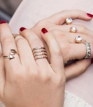 今年夏天不容错过的单品  叠带戒指你一定不能错过