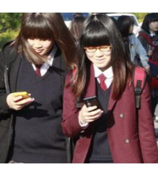 游戏成瘾被列为精神疾病 青少年痴迷手机该怎么办?