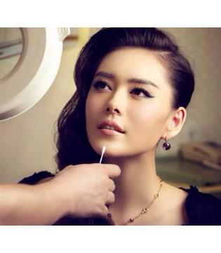 30岁女性如何抗衰老?鲁峰:防晒+补水是关键