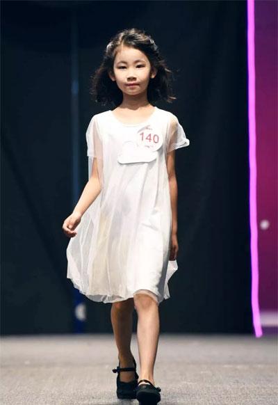 NNE&KIKI合作潮童星在杭州万象城精彩亮相!
