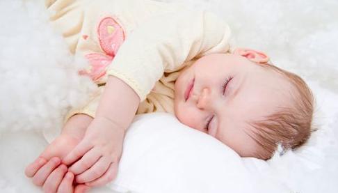 宝宝尿床的几大认识误区 很多家长都错了