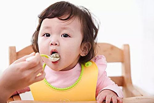 """该怎样科学控制""""调味品""""  妈妈们做对了吗"""