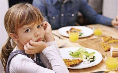 小孩厌食面黄肌瘦影响发育 怎么才能让孩子吃起来