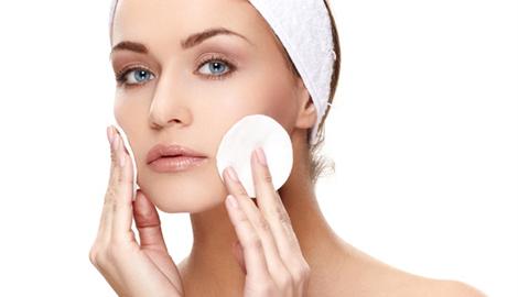 女性在生活中 美容护肤有哪些小方法?