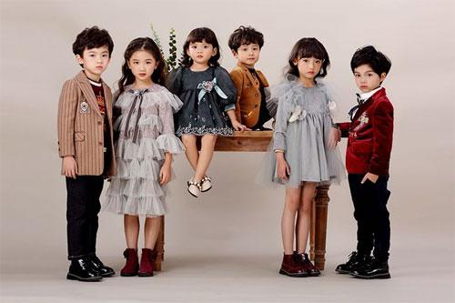 2018年秋季上新 拒绝平庸 <a href='http://fashion.china-ef.com/'  style='text-decoration:underline;'  target='_blank'>时尚</a>如此简单!