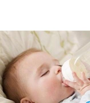 宝宝多大应该戒奶瓶呢? 太迟戒奶瓶有哪些危害?