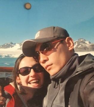 刘烨晒照纪念结婚九周年 浪漫表白爱妻一起去路过全世界